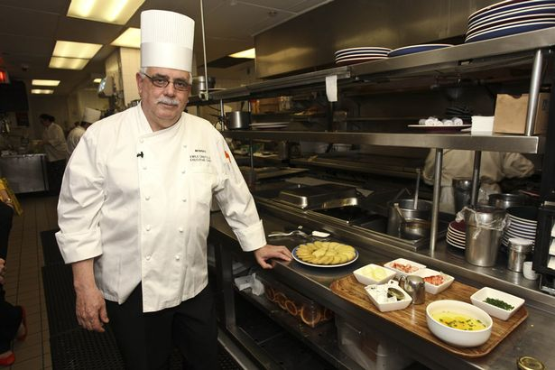 Món bánh tôm đặc sản còn ngon và đắt gấp trăm lần bánh tôm Hồ Tây - Ảnh 4.