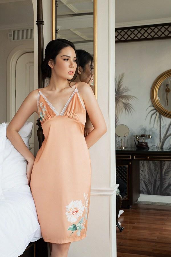 Những kiểu váy mặc nhà nghỉ dịch mát mẻ, thoải mái mà vẫn thời trang khiến nàng thích mê - Ảnh 2.