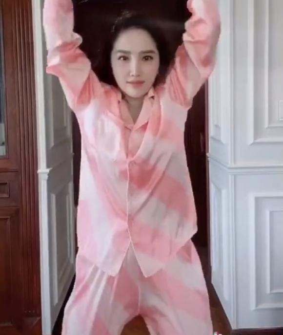 Hà Hồ, Lệ Quyên mặc đồ ngủ pyjama thôi mà nhìn giá phát hoảng - Ảnh 8.