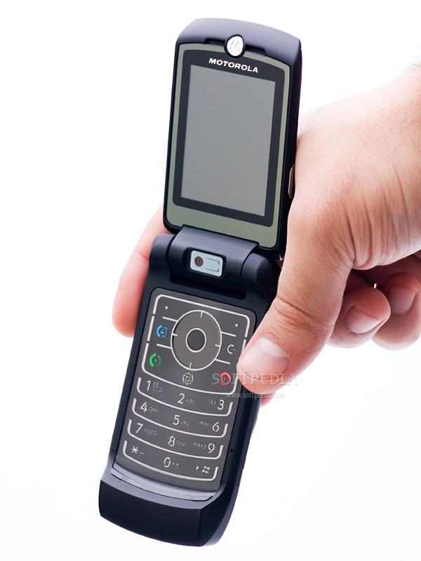 Những chiếc điện thoại mang thương hiệu siêu xe - Ảnh 2.