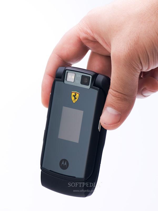 Những chiếc điện thoại mang thương hiệu siêu xe - Ảnh 3.