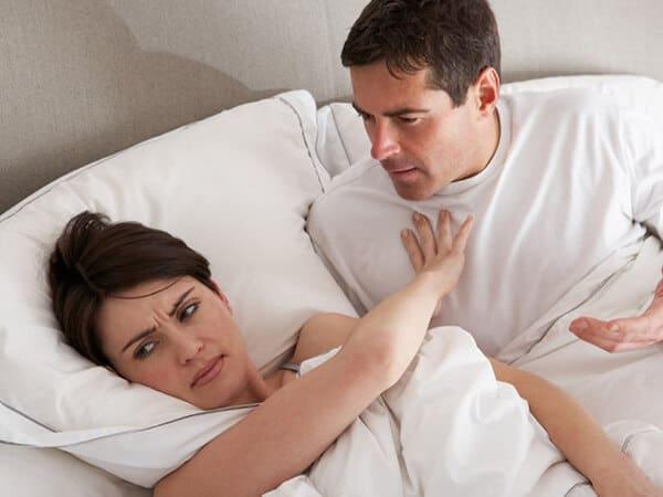 Phát hiện chồng sắp cưới ngủ với vợ cũ - Ảnh 1.