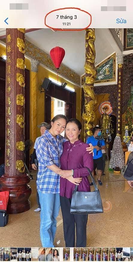 لو فونگ با انتقاد از طرفداران مخالف که عکس هایی از راه رفتن در معبد را در اوج فصل همه گیری نشان می دهند ، به سرعت توضیح داد - عکس 6.
