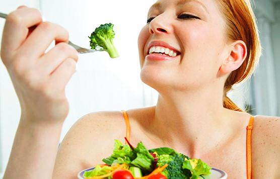 Vì sao ăn nhiều rau mỗi ngày lại ít trở bệnh nặng khi nhiễm COVID-19? - Ảnh 1.