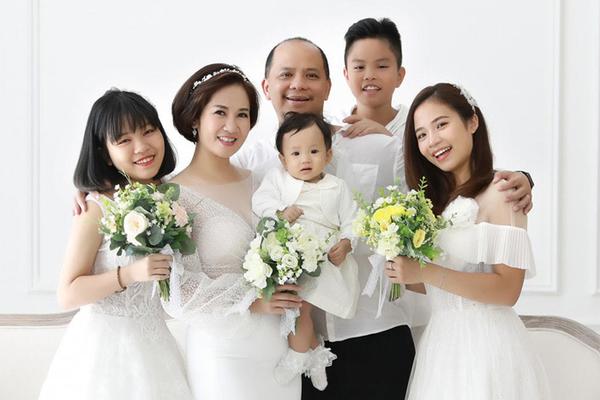 Hôn nhân đời thực bên vợ là người nổi tiếng của  2 bố con Chiến chó Hương vị tình thân - Ảnh 5.