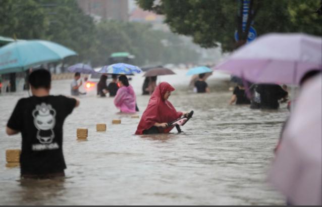 Giật mình vì lý do ngồi trong văn phòng cũng mắc bệnh mùa mưa bão - Ảnh 4.