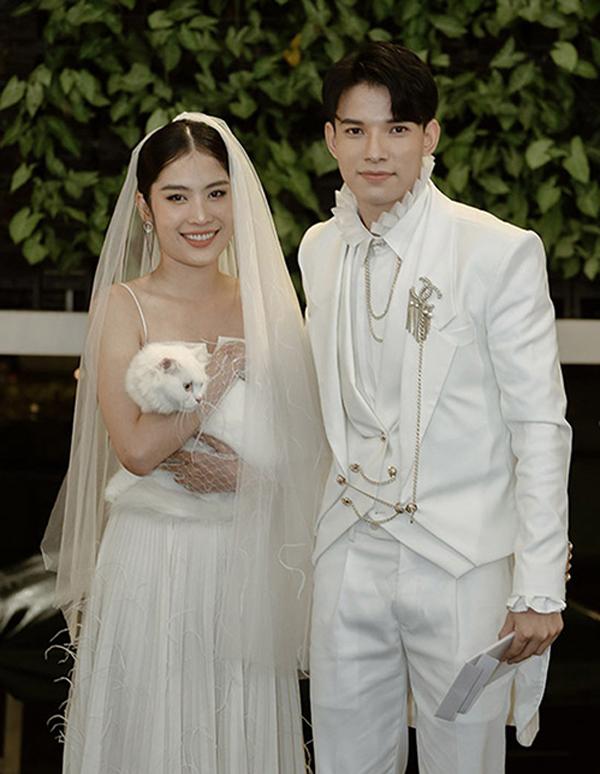 Đời tư bên bạn gái nổi tiếng của em trai Thu Quỳnh -  gã sở khanh bị ăn tát nhiều nhất trong Hương vị tình thân - Ảnh 5.
