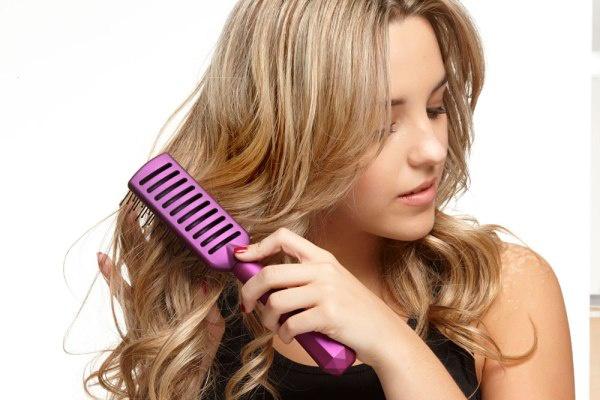 Bỏ ngay thói quen chải tóc từ gốc xuống ngọn đi, đọc lý do bạn sẽ thấy đó là sai lầm tai hại đến nhường nào - Ảnh 6.