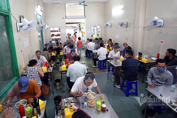 Lộ trình nới lỏng giãn cách ở Hà Nội như thế nào từ ngày 15/9 và 21/9? - Ảnh 3.