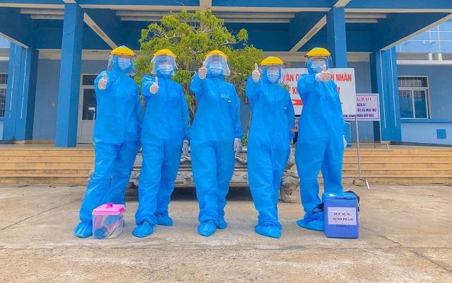 Tâm sự của những chiến sĩ áo trắng điều trị bệnh nhân COVID-19 ở Quảng Trị - Ảnh 5.