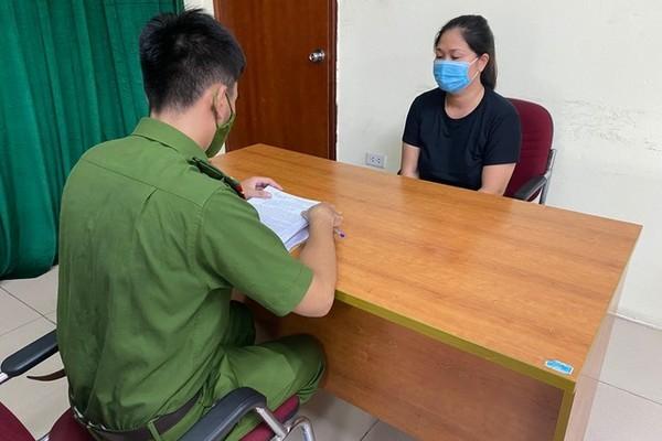 Diễn biến mới nhất vụ người phụ nữ say rượu ra giải cứu chồng vi phạm quy định phòng chống dịch ở chốt kiểm soát - Ảnh 1.