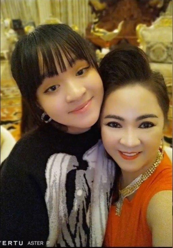 Sau ồn ào sao kê, nữ đại gia Phương Hằng gửi gắm tâm thư đến con gái 15 tuổi - Ảnh 2.