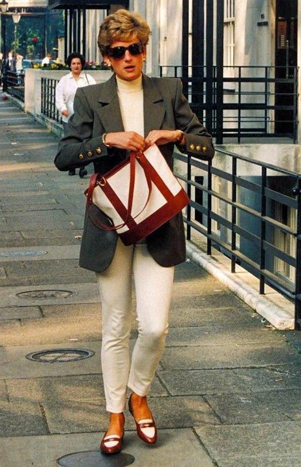 Bất chấp thời gian, 4 kiểu giày từng được Công nương Diana lăng xê đều là mốt bây giờ - Ảnh 8.