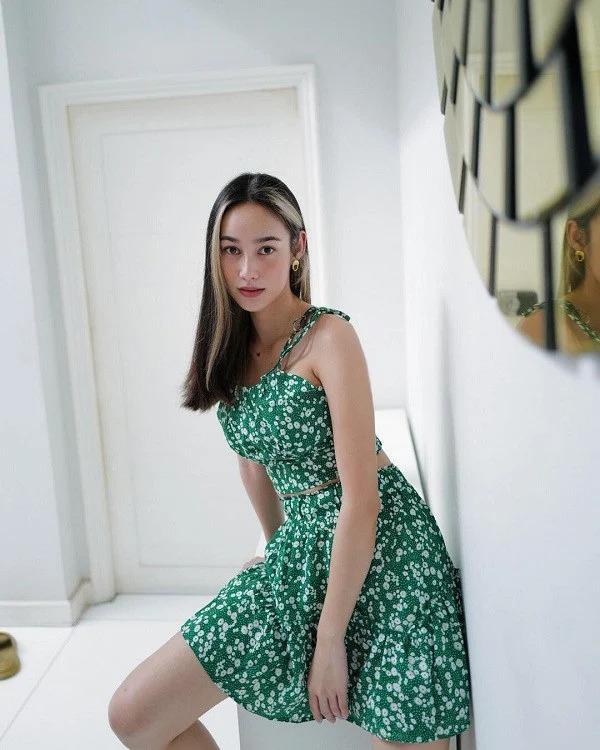 Mỹ nhân Thái Lan phối váy áo hoa đón thu không lo sến súa - Ảnh 10.