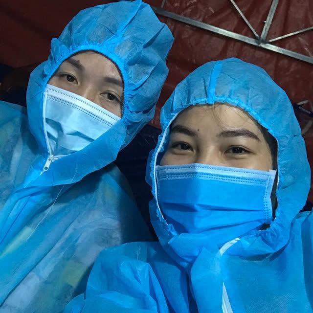 """Nữ nhân viên y tế hơn 90 ngày cùng """"đồng đội"""" bám chốt chống dịch - Ảnh 1."""