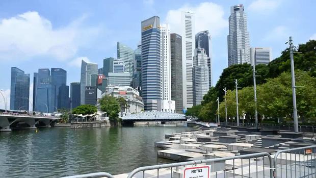 Lạc lõng, cô lập: Đây là những gì người không tiêm vaccine Covid tại Singapore đang cảm thấy ngay lúc này - Ảnh 1.