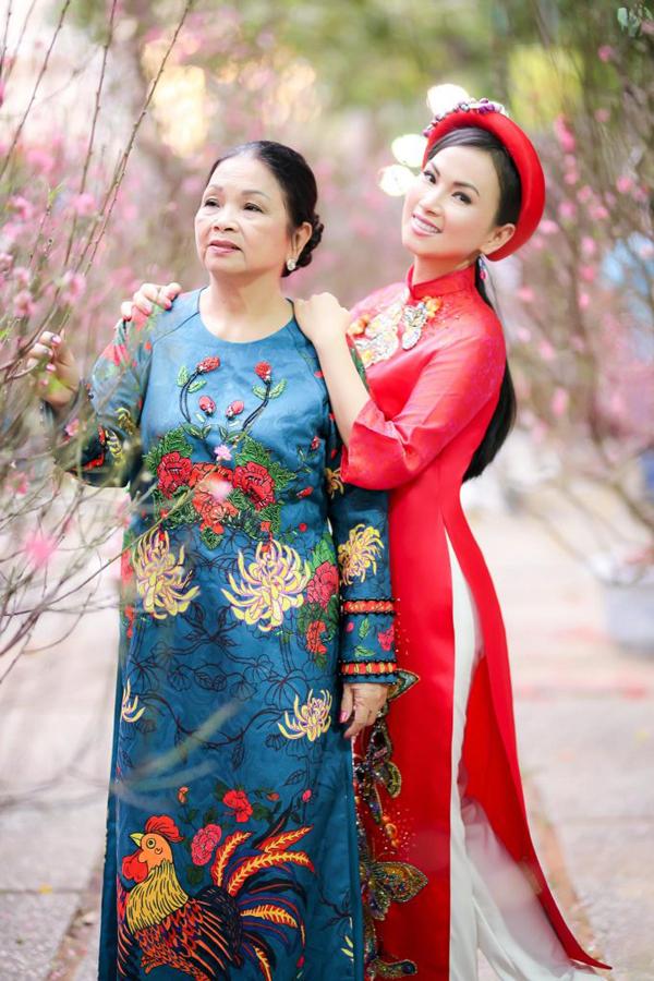 Thông tin bất ngờ về gia đình nhà chồng tỷ phú gốc Việt giàu nhất Mỹ của em gái Cẩm Ly - Ảnh 3.