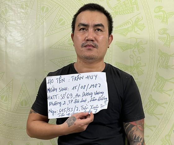 Rùng mình với lời khai của nghi phạm chém lìa đầu hàng xóm ở TP.HCM - Ảnh 1.