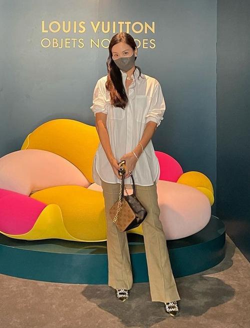 Phong cách hack tuổi của bà xã Jang Dong Gun - Ảnh 13.