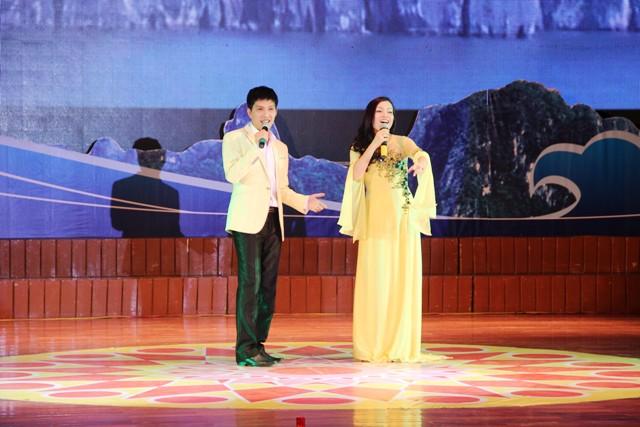 NSND Quang Thọ tỏa sáng trong đêm nhạc tại Hạ Long 5