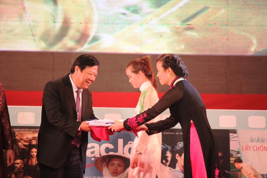 LHP Việt Nam lần thứ 18 trao 6 Bông sen Vàng 9