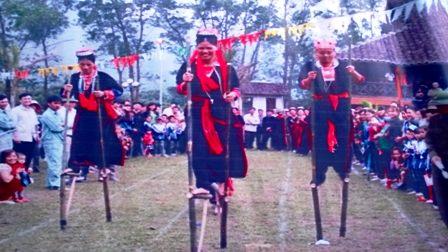 Đặc sắc các trò chơi, môn thể thao dân gian đầu xuân của người Dao 14