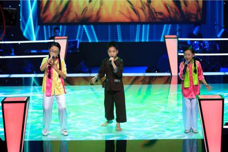 Giọng hát Việt nhí: Tiếng Việt lấn át tiếng Anh 5