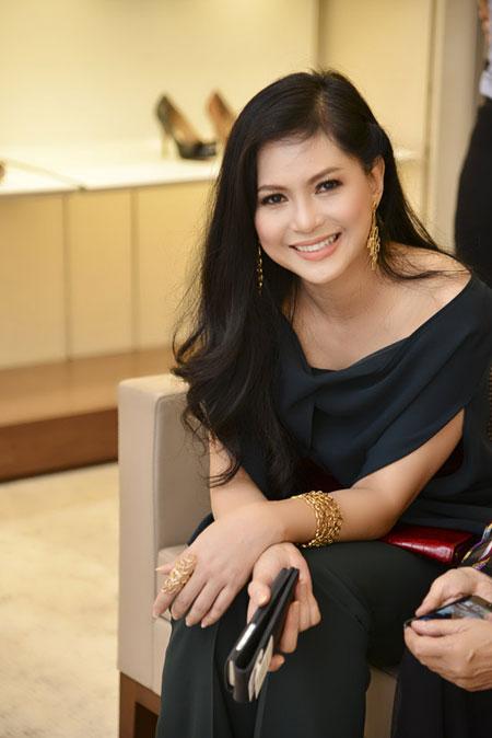 Mẹ chồng Tăng Thanh Hà đẹp nổi bật giữa dàn sao ở Hà Nội 1