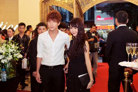 Mẹ chồng Tăng Thanh Hà đẹp nổi bật giữa dàn sao ở Hà Nội 12