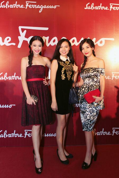 Mẹ chồng Tăng Thanh Hà đẹp nổi bật giữa dàn sao ở Hà Nội 16