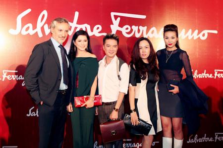 Mẹ chồng Tăng Thanh Hà đẹp nổi bật giữa dàn sao ở Hà Nội 7