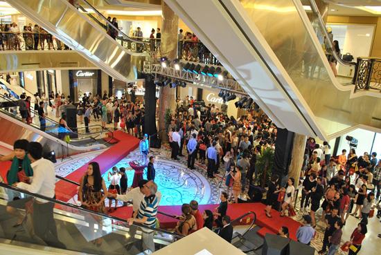 3000 người trẩy hội mua sắm VIP tại Tràng Tiền Plaza 2