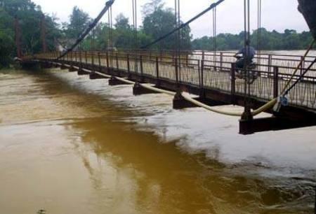 Nước lũ bao trùm tại nhiều địa phương tỉnh Hà Tĩnh 1