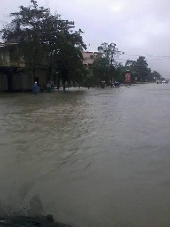 Nước lũ bao trùm tại nhiều địa phương tỉnh Hà Tĩnh 4