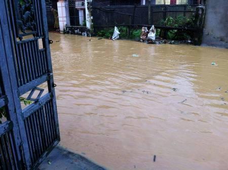 Nước lũ bao trùm tại nhiều địa phương tỉnh Hà Tĩnh 7