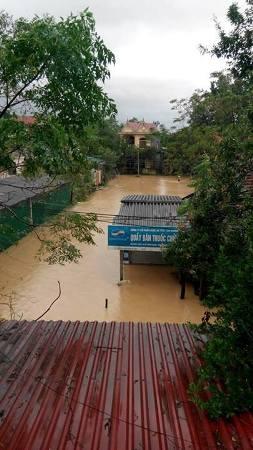 Nước lũ bao trùm tại nhiều địa phương tỉnh Hà Tĩnh 9