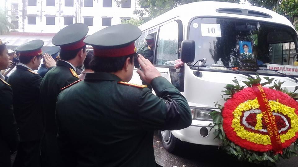 Nghẹn ngào tang lễ 18 người lính hy sinh trong tai nạn máy bay 51