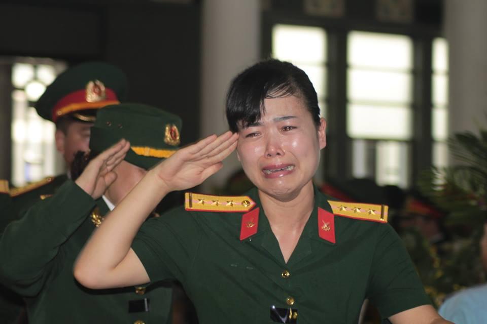 Nghẹn ngào tang lễ 18 người lính hy sinh trong tai nạn máy bay 31