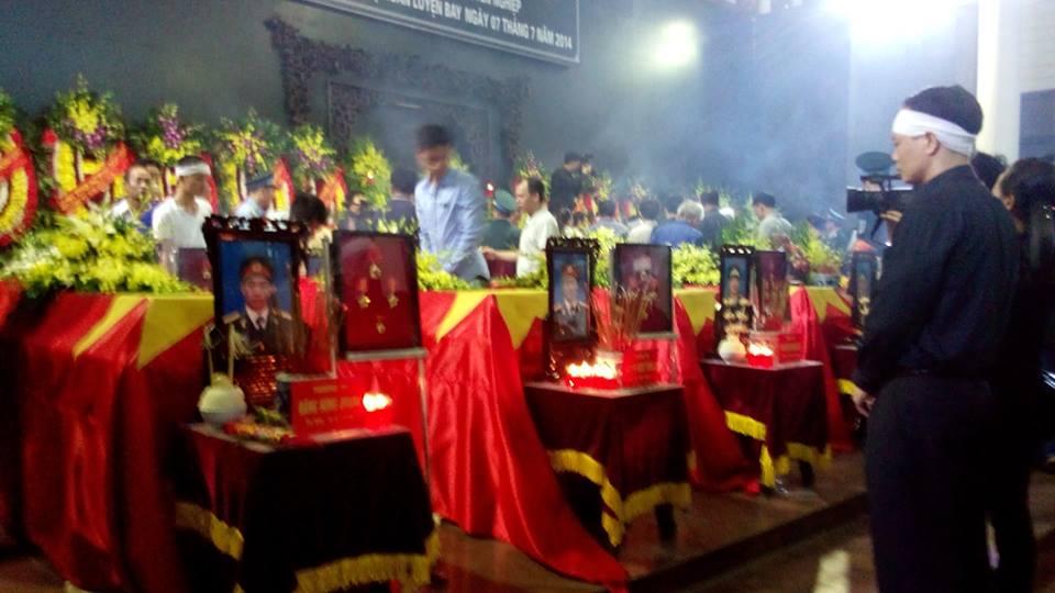 Nghẹn ngào tang lễ 18 người lính hy sinh trong tai nạn máy bay 2