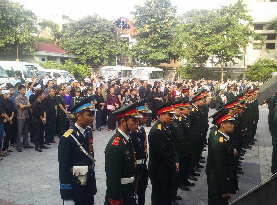 Nghẹn ngào tang lễ 18 người lính hy sinh trong tai nạn máy bay 4
