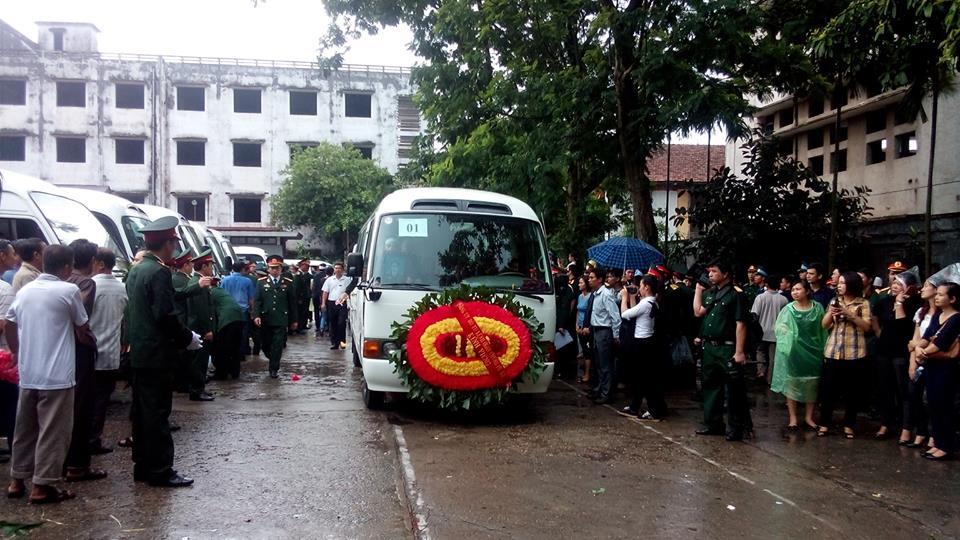 Nghẹn ngào tang lễ 18 người lính hy sinh trong tai nạn máy bay 49