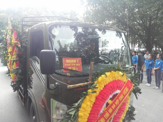 Nghẹn ngào tang lễ 18 người lính hy sinh trong tai nạn máy bay 35