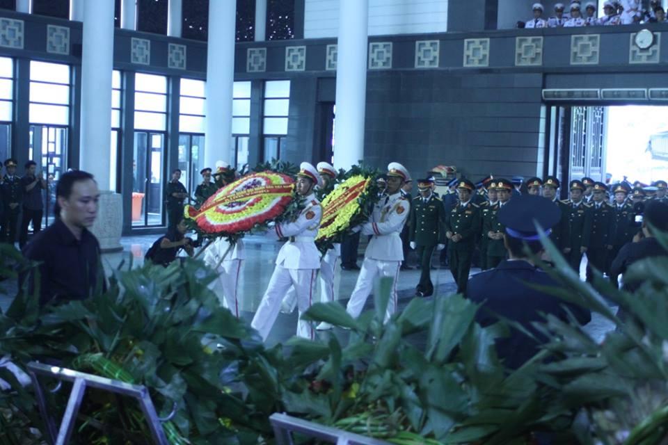 Nghẹn ngào tang lễ 18 người lính hy sinh trong tai nạn máy bay 18