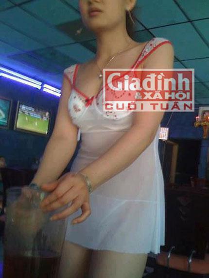 """Vén bức màn bí mật đằng sau dịch vụ """"bóng đá ôm"""" trá hình ở Sài thành 2"""
