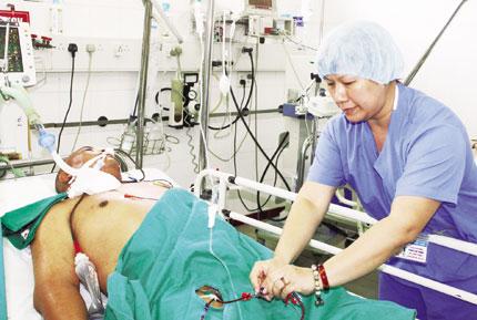Nghề y, nghề nguy hiểm (1): Ở nơi mong manh sống - chết 1