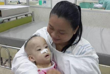 Hai bé song sinh được phẫu thuật tách rời sẽ đón Tết cùng bố mẹ trong... bệnh viện 1