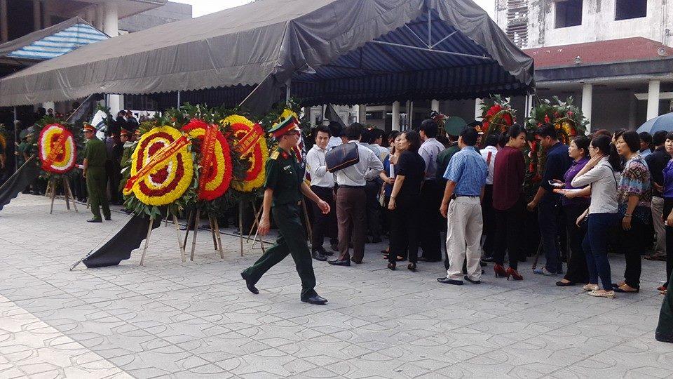 Nghẹn ngào tang lễ 18 người lính hy sinh trong tai nạn máy bay 26
