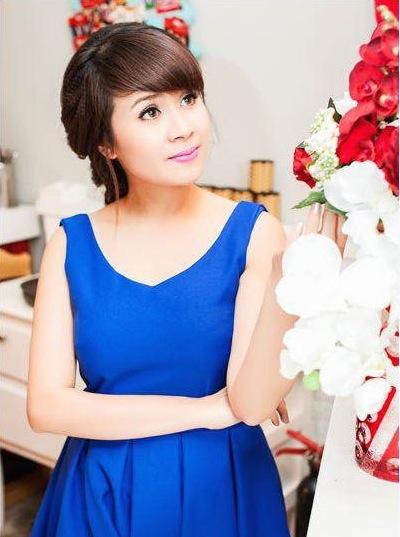 Nhạc sĩ Lưu Thiên Hương làm giám khảo cuộc thi ảnh Nữ sinh Việt Nam 1
