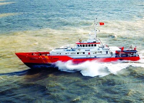 Chìm tàu chở 30 người ở TP HCM, 9 người mất tích 1