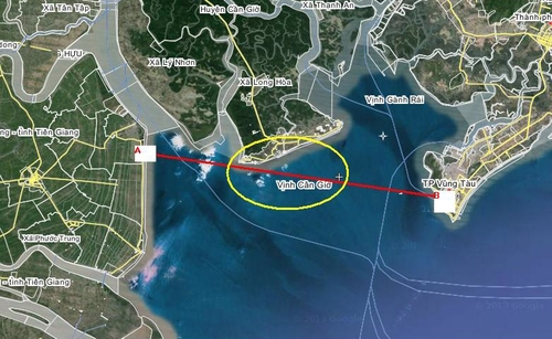Chìm tàu chở 30 người ở TP HCM, 9 người mất tích 3